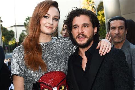 Game of Thrones Season 7 Premiere: Kit Harington, Sophie ...