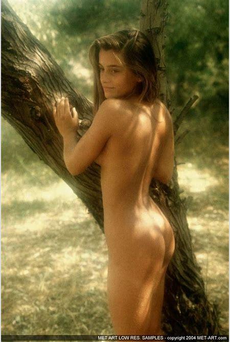 peter dominic nude girls - DATAWAV