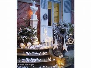 Decoration De Noel Pour Fenetre A Faire Soi Meme : d corer l ext rieur de sa maison pour no l elle d coration ~ Melissatoandfro.com Idées de Décoration