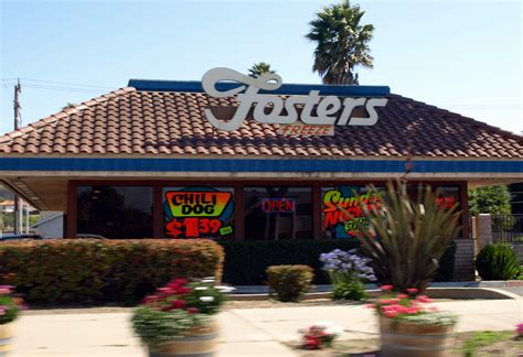 File:Fosters Freeze Lompoc.jpg