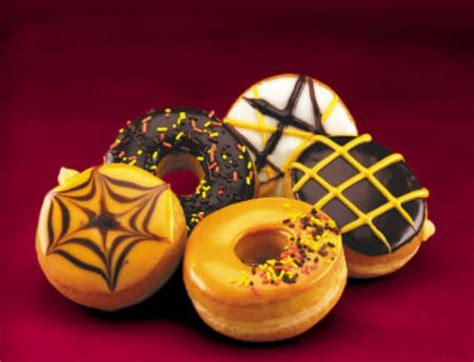 easy halloween treats doughnuts  doom family holiday