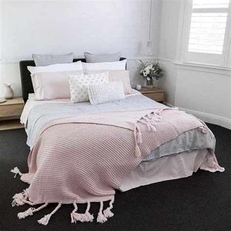 linge de chambre linge lit idees chambre adulte design de maison