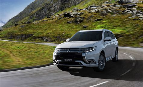 2019 Mitsubishi Outlander Phev Gets 15% Bigger Battery