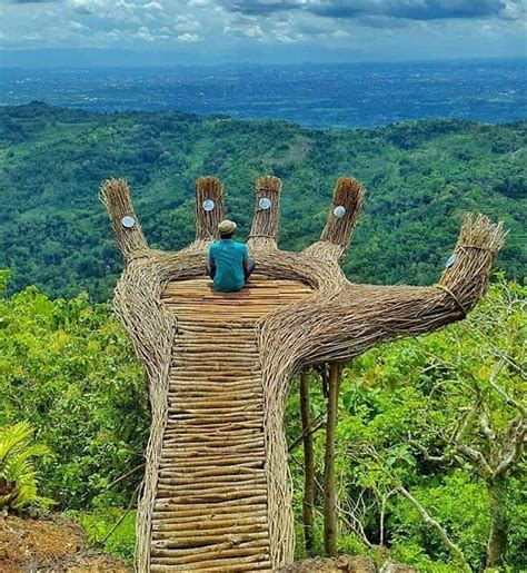 rute  lokasi hutan pinus pengger  spot tangan raksasa