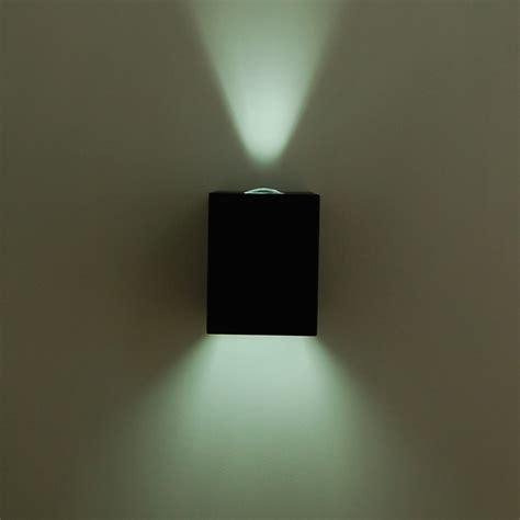 illuminazione da esterno a parete faretto tecnico a parete doppio fascio esterno moderno