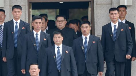 Jun 28, 2021 · north korean state media discusses kim jong un's 'emaciated looks' the coverage was a rare acknowledgement of foreign speculation about the north korean leader's weight loss. Security around Kim Jong Un won't let 'even an ant pass ...