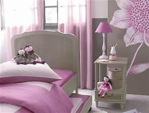 Chambre Fille 4 Ans : deco chambre petite fille 3 ans visuel 4 ~ Teatrodelosmanantiales.com Idées de Décoration