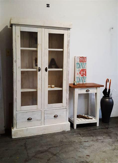 modular vitrina  celosias  cajones en  puertas de vidrio muebles de madera hechos