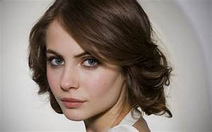 Willa Holland Height and Weight Stats - PK Baseline- How ...