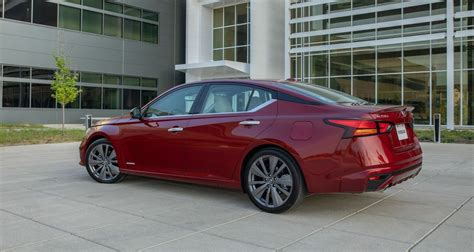 nissan altima   colors redesign release date