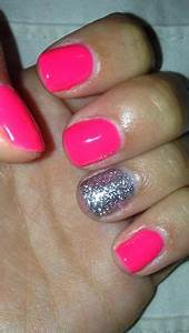 Glitter pink gel shellac Summer Cute Nails