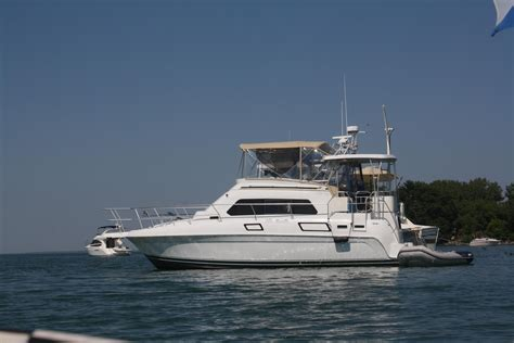 Motor Boat Listings by 64 900 1995 Mainship 37 Motor Yacht Power Boat Erie Pa