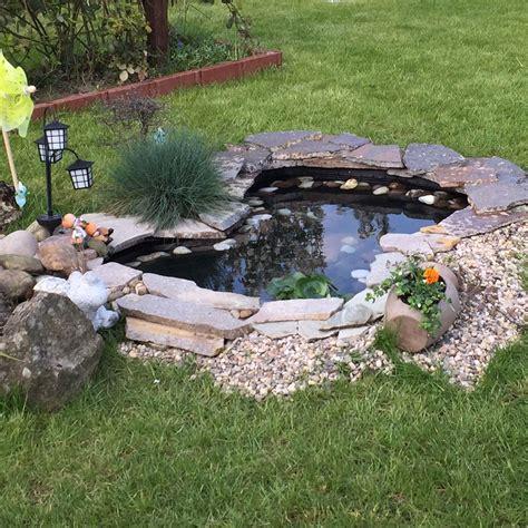 Teich Für Kleinen Garten gartenteich ohne strom sauber halten garten fische teich