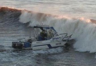 Small Boat Large Waves by The Prem 2015 16 Page 30 Theweatheroutlook Forum