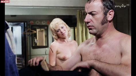 Cohen  nackt Lynn Joan Crawford