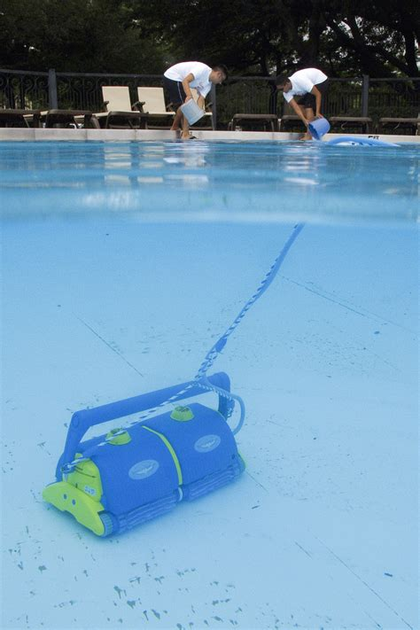 Clean Deck With Chlorine by How To Filter Your Swimming Pool Correctly Grand Vista Pools
