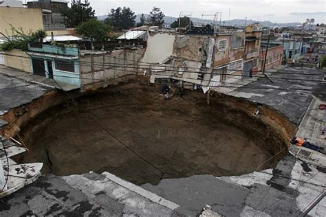 Louisiana Sink Hole by Sinkhole Video Picture Photo Sinkhole In Guatemala City