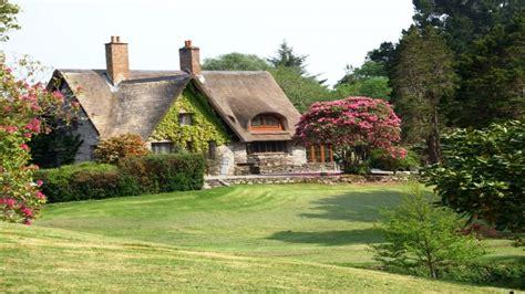 irish country cottage irish cottage gardens  cottage