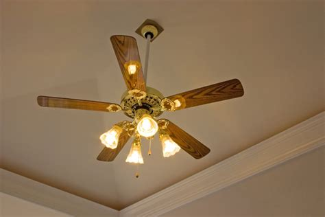 ceiling fan with air conditioner your air conditioner and ceiling fan together they cool