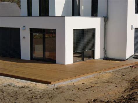 Terrasse Mit Holz by Holzterrassen Und Holzfliesen