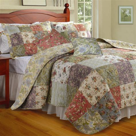 Greenland Home Bedding by Greenland Home Fashions Blooming Prairie Bonus Quilt Set