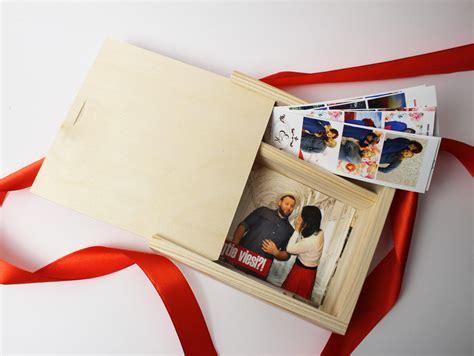 Koka kaste fotogrāfijām, USB, piemiņas lietām 18x18x5 cm ...