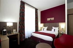 la couleur bordeaux un accent dans linterieur contemporain With les couleures des chambres a coucher