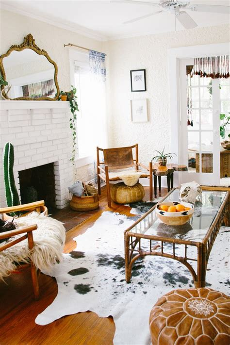 Cowhide Home Decor by 1000 Ideas About Cowhide Rug Decor On White