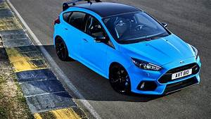 Ford Focus Rs Bleu : ford listens to fans and gives 2018 focus rs a mechanical lsd new st ~ Medecine-chirurgie-esthetiques.com Avis de Voitures