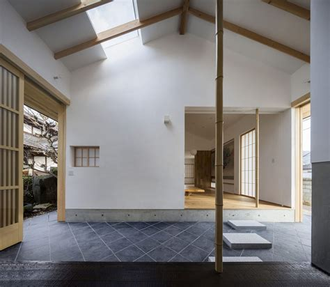 Japanese Home Fusing Modern And Traditional Ideas by A Weekend House Fusing Modern And Traditional Japanese