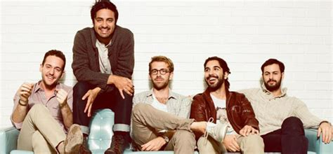 Young The Giant Megheartsit