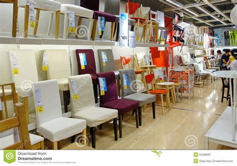 magasin de chaises chaises dans le magasin de meubles photographie éditorial