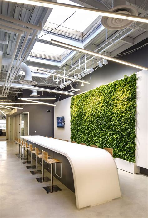 green office interior design best 25 office table ideas on office table