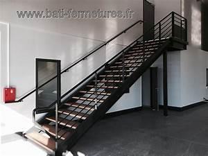 Escalier Exterieur Metal : escaliers droits ~ Voncanada.com Idées de Décoration