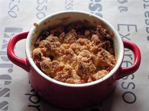 dessert en mini cocotte recette de crumble de pomme en mini cocotte