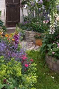 Beautiful Cottage Garden