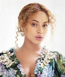 Beyoncé Bares Her Pregnant Belly in a Bikini-Clad ...
