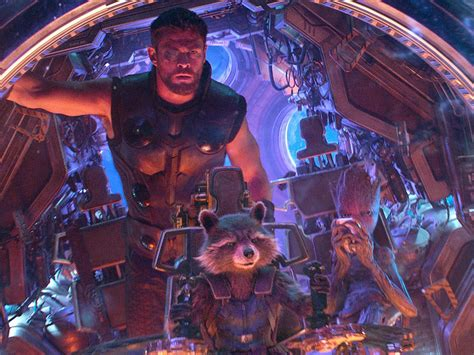 Chris Hemsworth Drops Conflicting Hints About Thor's Fate ...