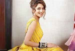 Top Beautiful Actress Madhuri Dixit Full Hd Wallpapers Free