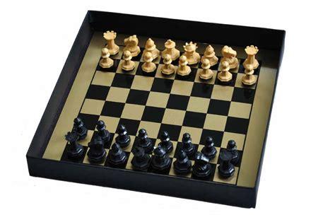 Drueke Magnetic Travel Chess Set