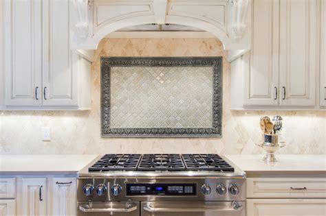 backsplash picture frame at range   Traditional   Kitchen