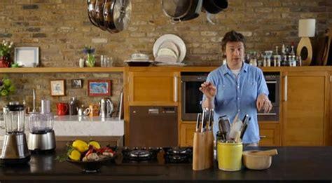 cuisine tv oliver 30 minutes look a peek at oliver 39 s kitchen kitchn