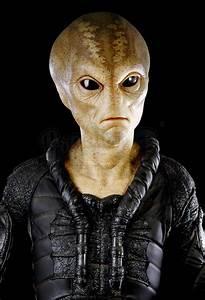 MEN IN BLACK II (2002) - First Contact Alien Costume ...