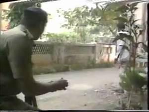 Real Shootout at Lokhandwala.mp4 - YouTube