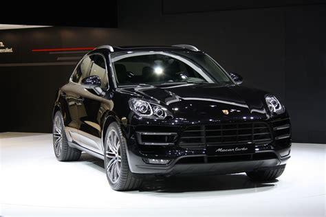 porsche macan all black o salão de tóquio no japão em 2013 incar autos carros