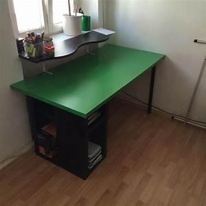 Schreibtisch Schwarz Ikea : ikea schreibtisch schwarz gr n mit aufsatz in regensburg ikea m bel kaufen und verkaufen ber ~ Indierocktalk.com Haus und Dekorationen