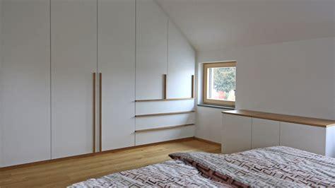 einbauschrank schlafzimmer dachschräge einbauschrank dachschrge indoo haus design