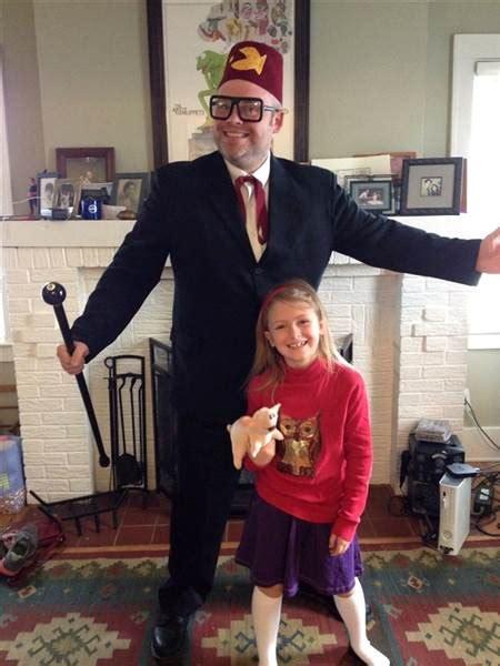 dad  awesome response   daughter dressing  han