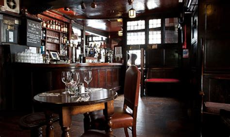historic pubs  places  eat  london travel