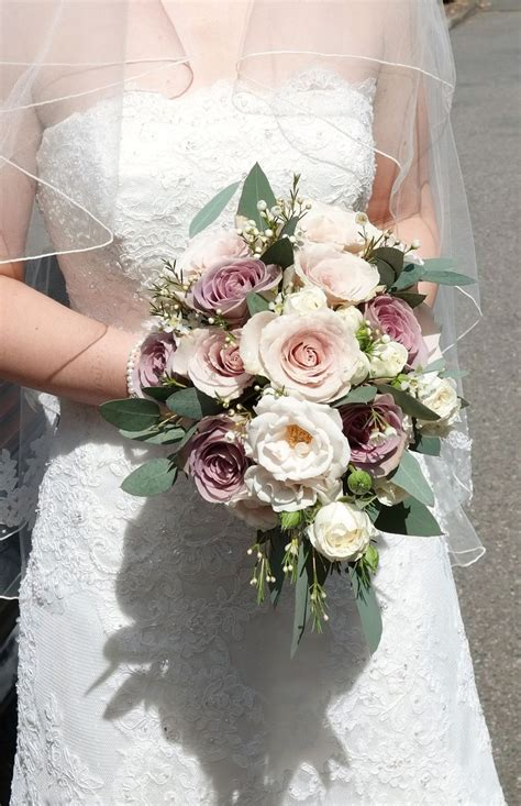 Handtied Bouquet Of Vintage Roses Amnesia Majolica And